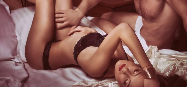 Boners, Lips and Pro Tips—How Similarly Men and Women Get Off