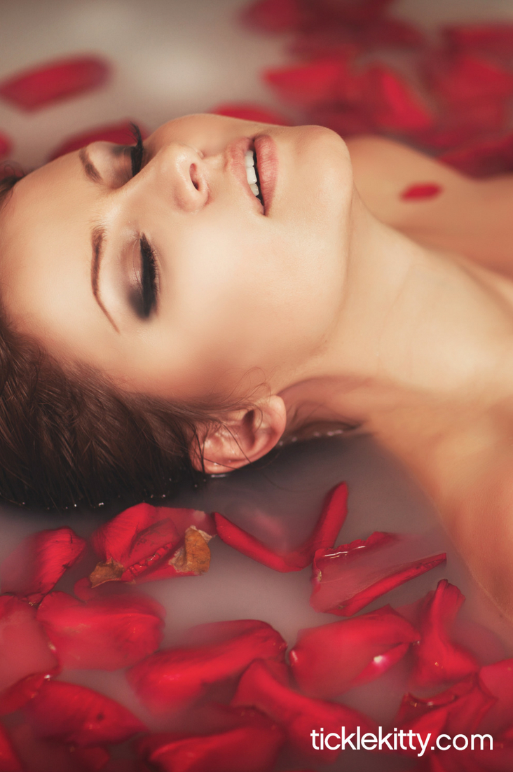 How to Use Aromatherapy for a Hot Sex Life