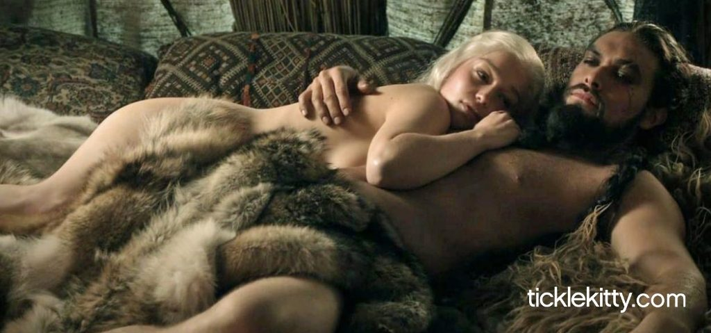 10 Game of Thrones Scenes so Hot Winter Won't Come But You Will