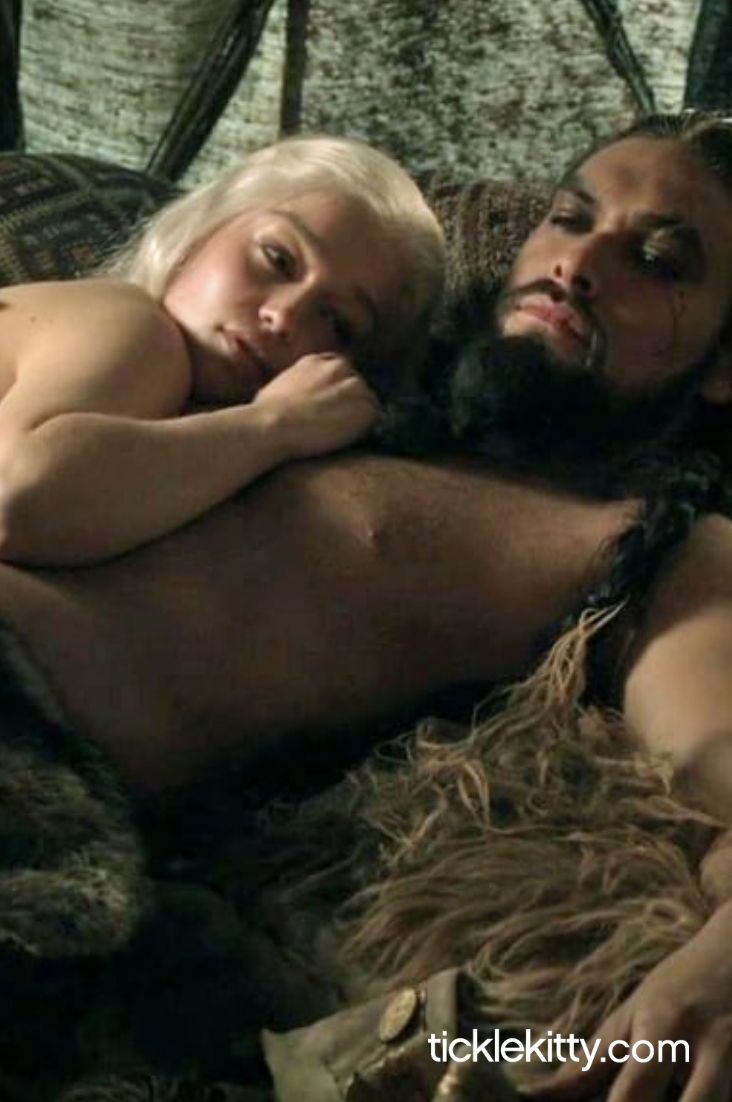 10 Game of Thrones Scenes So Hot Winter Won't Come, But You Will